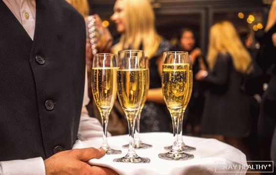 What is the difference between prosecco and champagne? Parsing sparkling wine