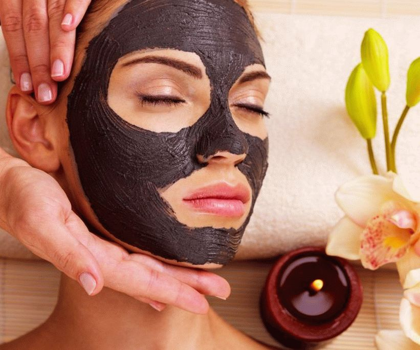 Black clay to fight acne