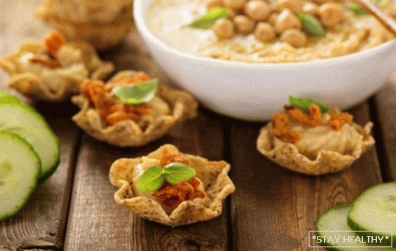 Unusual snacks of chickpeas or beans